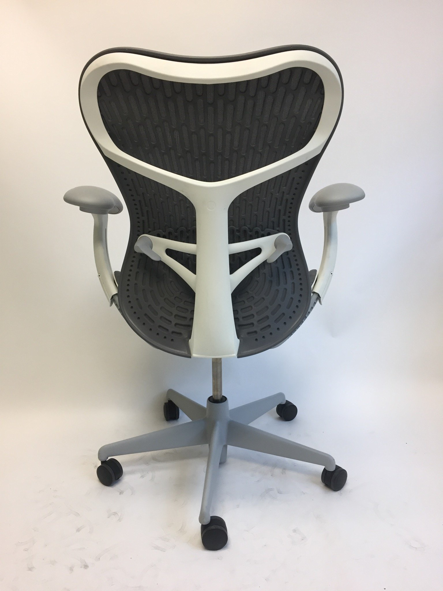 Genial Mirra 2 Chair U2013 Grey U0026 White