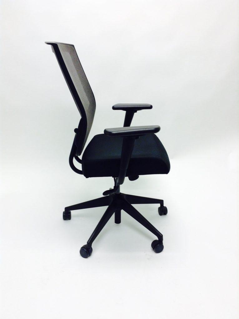 sit on it black mesh back 2 office outlet. Black Bedroom Furniture Sets. Home Design Ideas